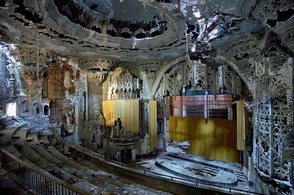ruins_of_detroit_yves_marchand_romain_meffre28 (1)