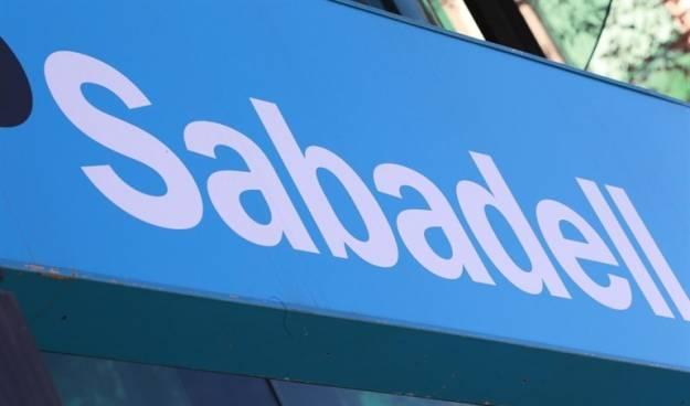 Sabadell se dispara más de un 5% tras anunciar que su consejo estudiará hoy el cambio de domicilio social 1