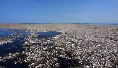 La 'isla' de plásticos del Pacífico equivale ya a Francia, España y Alemania