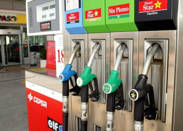 El precio del litro de gasóleo toca los 1,25 euros y marca un nuevo máximo del año