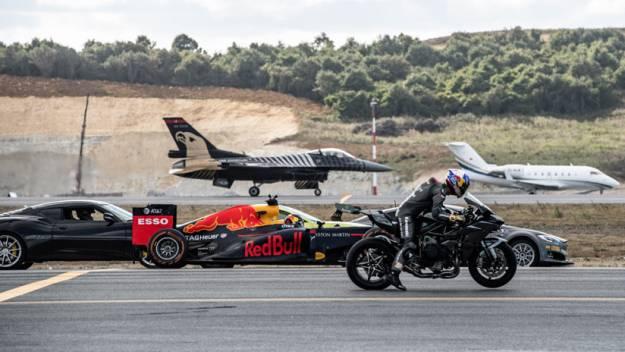 ¿Es más rápido un Tesla, un caza, una moto o un Fórmula 1? (VIDEO)