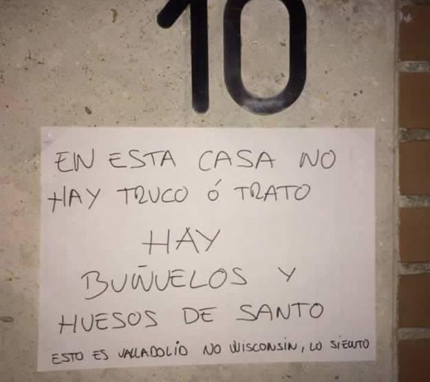 El genial cartel que hay en una casa de Valladolid por Halloween