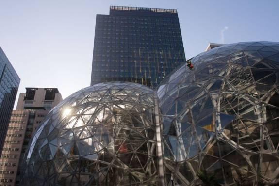 Amancio Ortega será el casero de Amazon tras comprar parte de la sede en Seattle por unos 650 millones 1