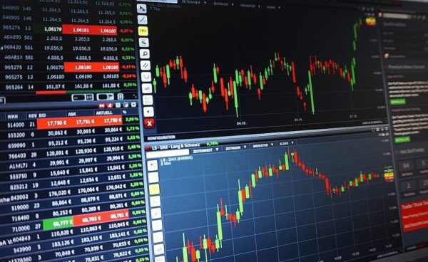Trading-Chart-Analysis-Courses-Forex-Shares-1905225-e1487837434215.jpg
