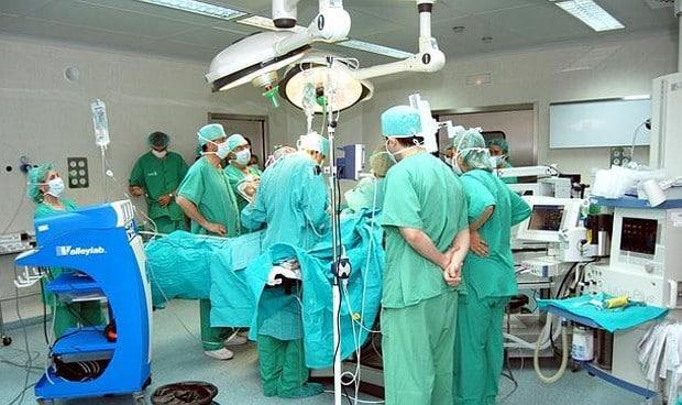 """""""Nos vamos a cargar la sanidad por ignorantes"""". La defensa de un cirujano de la sanidad tras la queja de un paciente 1"""