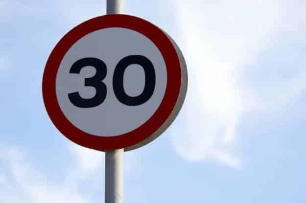 La DGT quiere aprobar la bajada de velocidad a 30 km/h en ciudades antes de las elecciones