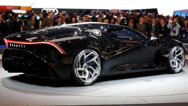 """Bugatti presenta el coche más caro de la historia, el """"La Voiture Noire"""""""