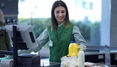 Mercadona renueva los uniformes de sus trabajadores de tienda