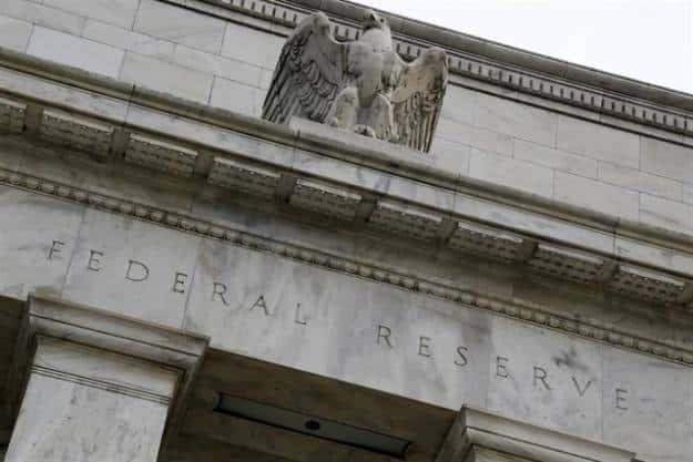 """Trump acusa a la Fed de cometer un """"gran error"""" y se queja de que no le """"escucha"""""""