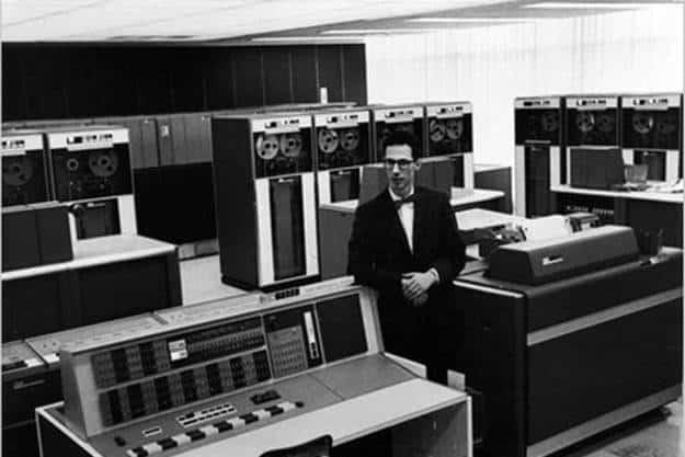 Muere Fernando Corbató, el inventor del password