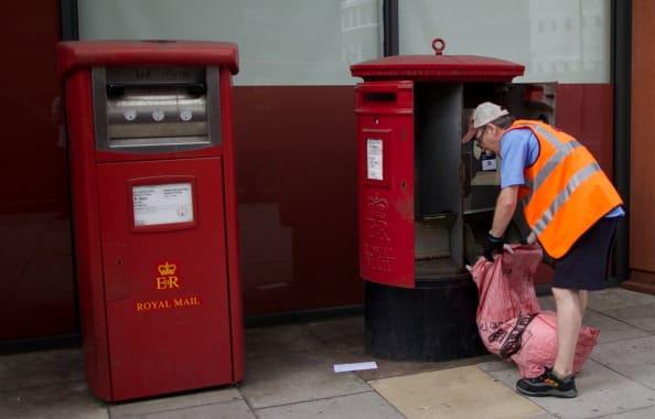 Despiden a un cartero que trabajó durante 28 años por entregar un paquete con un minuto de retraso 1