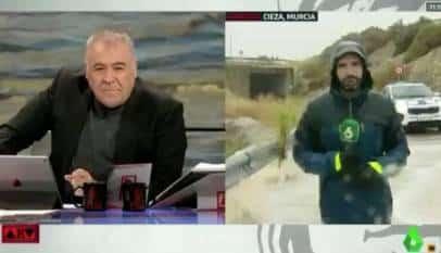 El 112 abronca a 'Al Rojo Vivo' por por poner en peligro la vida de uno de sus reporteros