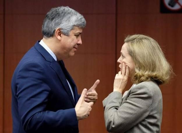 Bruselas reprende a España por el riesgo de incumplir las reglas fiscales europeas