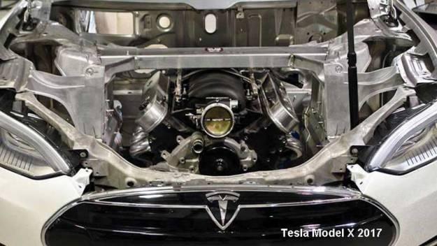 Unos youtubers desmontan el motor de un Tesla y es espectacular
