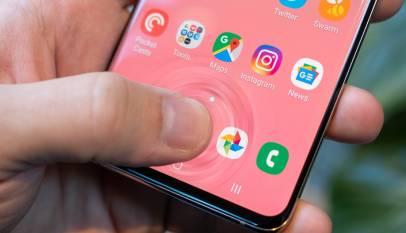 Una fallo en el Galaxy S10 permite desbloquearlo con cualquier huella digital