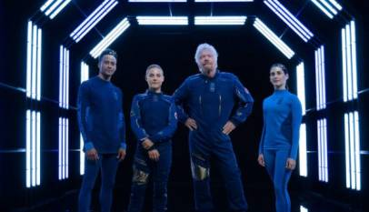 Under Armour y Virgin Galactic presentan su traje espacial
