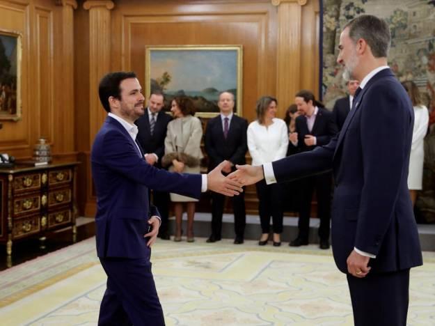 """Garzón promete su cargo de ministro """"con lealtad al Rey"""" 1"""