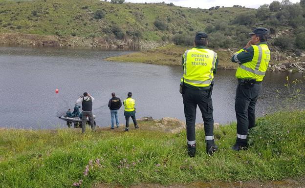 Detienen a un hombre por atar una piedra a su perro y tirarlo al río en Salamanca 1