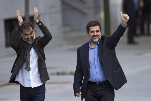 Jordi SánchezyJordi Cuixart salen de la cárcel para disfrutar de su primer permiso penitenciario 1