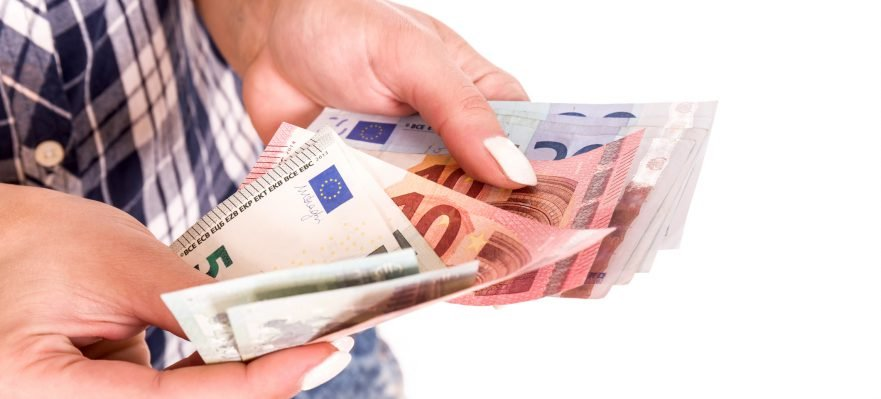 El salario medio en España sube un 3% interanual, hasta los 1.701€ 1