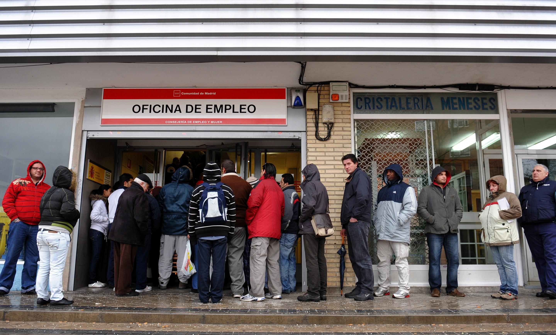 El paro registra en marzo la mayor subida de su historia: 302.365 desempleados más 1