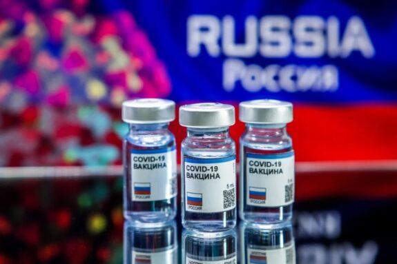 El Euribor comienza la semana bajando del -0.4% y me van a poner la vacuna rusa 1