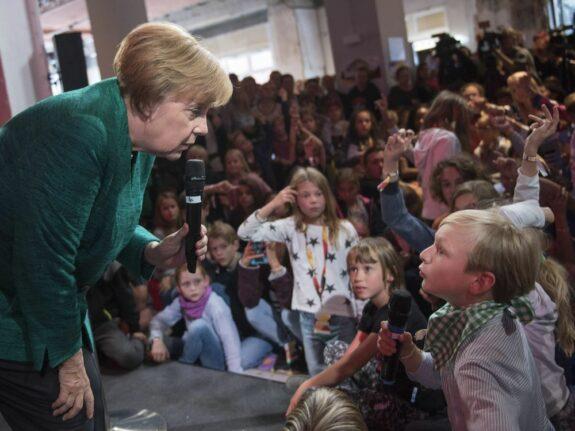 El Gobierno alemán  abonará a los padres 300 euros por hijo entre septiembre y octubre 1