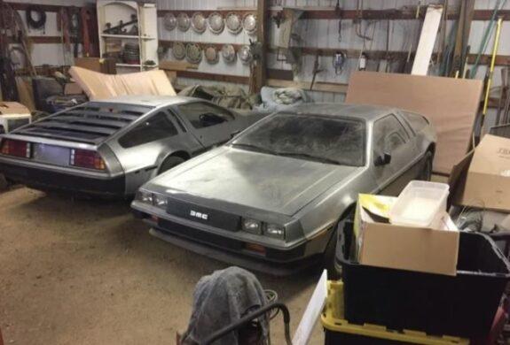 Descubiertos dos DeLorean a estrenar abandonados en un granero 1
