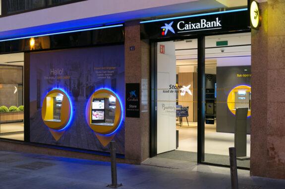 CaixaBank cobrará 240€ por la cuenta corriente desde el 1 de octubre (y así puedes evitarlo) 1