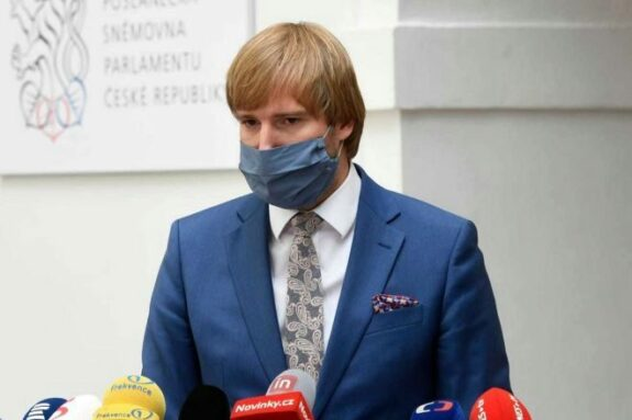 Dimite el ministro de Sanidad de República Checa: después de España, el país con más contagios en la segunda ola 1