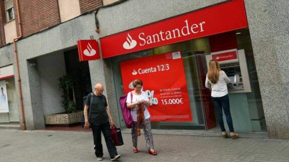 """Santander se carga la """"Cuenta 123"""" y lanza """"Santander One"""" con 240€ de comisiones anuales 1"""