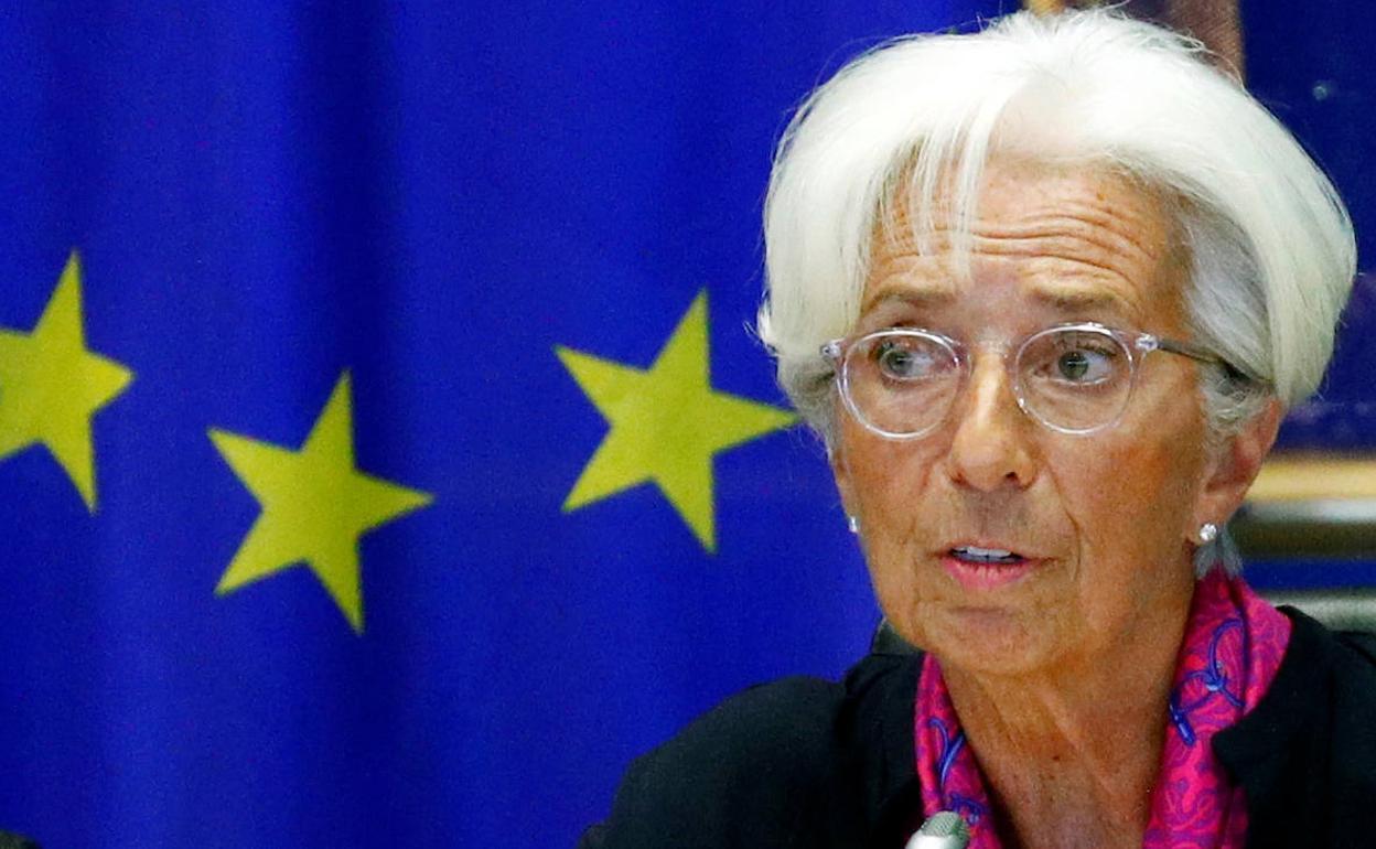 El BCE espera mantener los tipos hasta que la inflación llegue al 2 %. 1