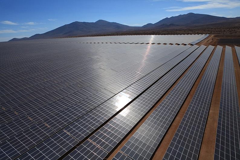 Alguien quiere construir una superplanta solar para... 1