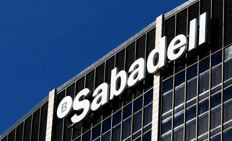 El Banco Sabadell ofrece a sus empleados prejubilaciones desde los 56 años 1